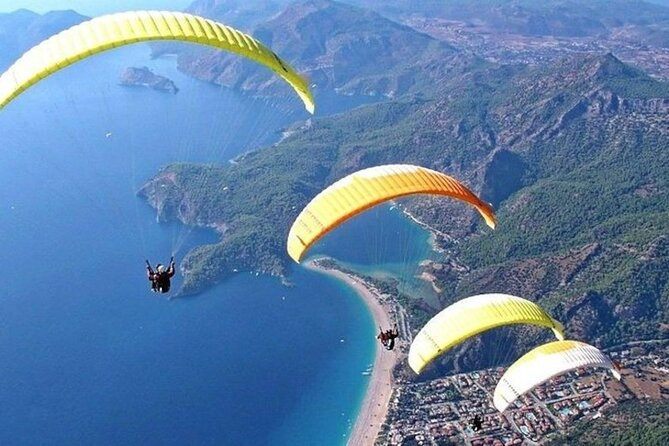 Dajian Mountain Riverview Paragliding and Free Kayaking Daytrip from Shanghai