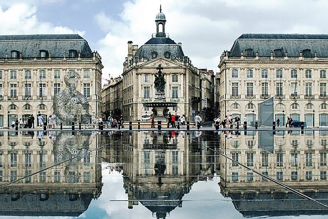Centre of Bordeaux: Explore over 2,000 years of history on an audio tour