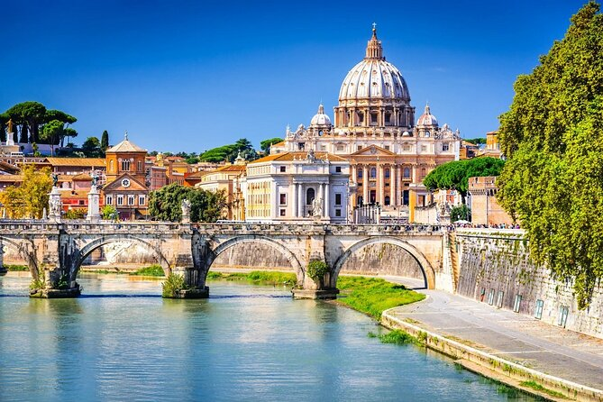 Explore highlights of enchanting Rome on a private shore sightseeing tour