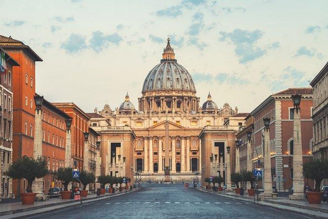 Skip the line Vatican Museum and Colosseum private tour from Civitavecchia Port