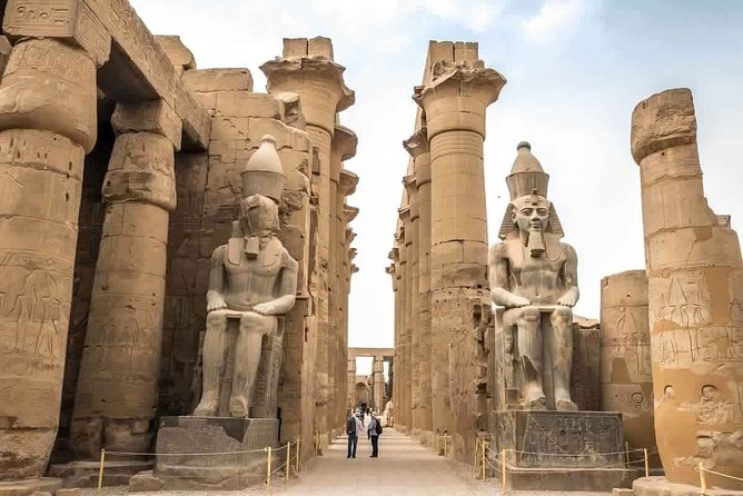 Cairo : Private 2-Day Tour Abu Simbel and Luxor Guided Tours by Plane