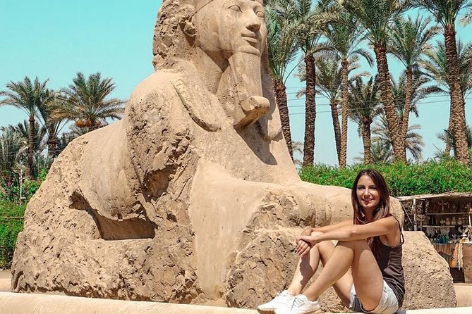 Private Guided Tour to Giza Pyramids, Sphinx, Memphis and Saqara From Cairo