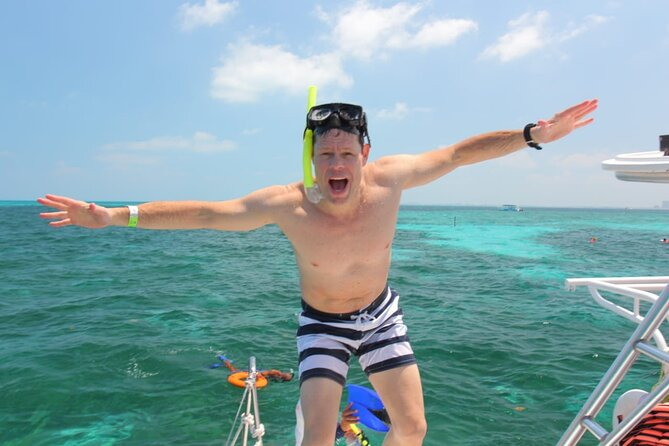 Private Catamaran Amazing Sunset Tour to Isla Mujeres, Snorkeling, from Cancun