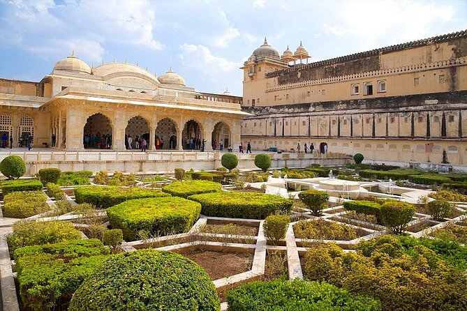 Private Day Tour of Jaipur from New Delhi
