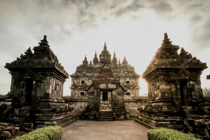 Private Tour of Candi Plaosan Temple with Guide