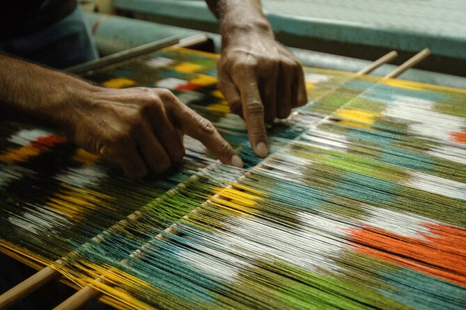 Authentic Weaving Workshop with an artisan in Macerata