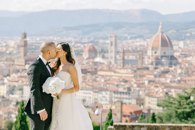Honeymooners Florence Tour with Professional Photographer and Driver