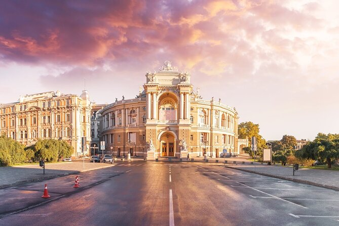 Romantic walking tour in Odessa
