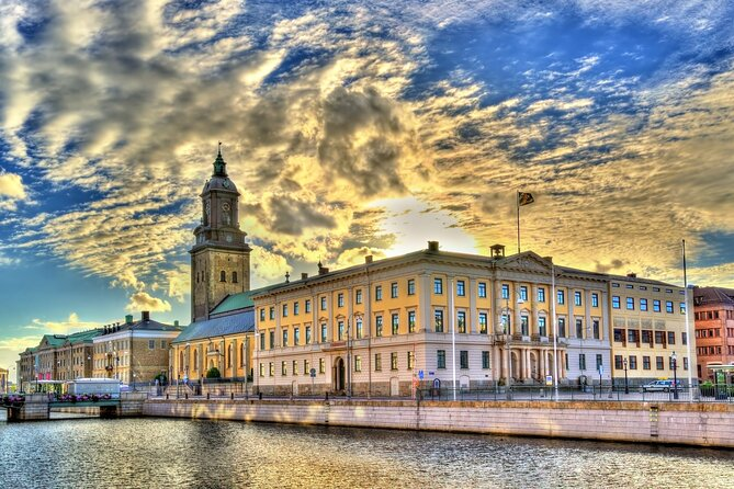 """Guided tour """"Love stories of Gothenburg"""""""
