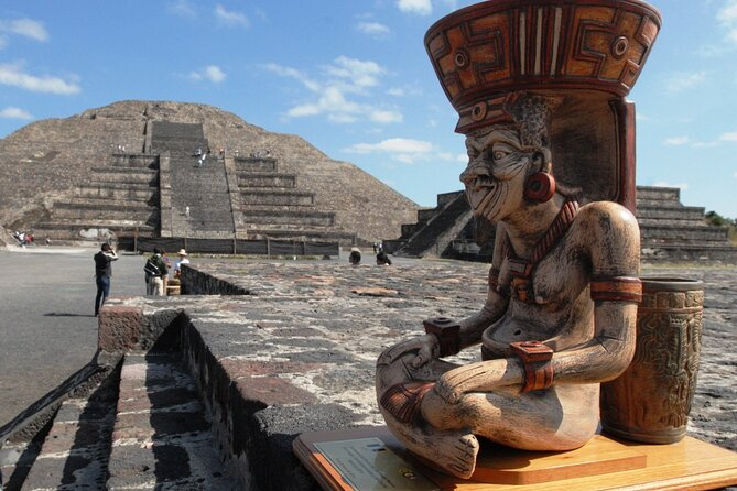 Private Tour to the Pyramids of Teotihuacán from CDMX from 1 to 4 people