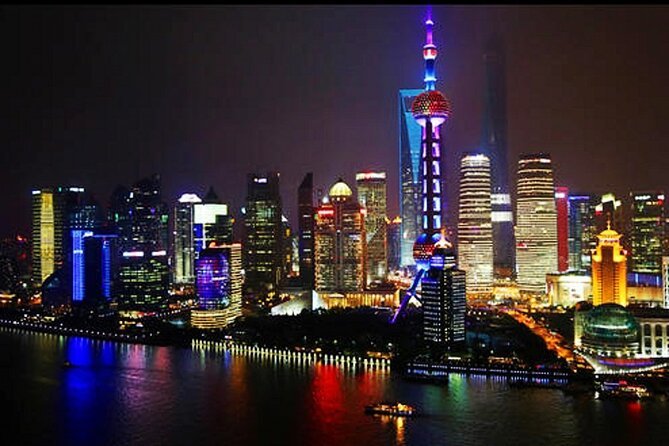 Private Shanghai Night Tour with Dim-Sum Dinner and Rooftop Bar Experience