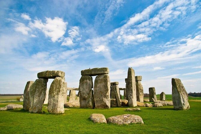 Enjoy a private day tour to Stonehenge and Bath from Southampton