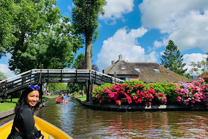 Giethoorn from the water - Corona-Proof Small Public Group Tour from Amsterdam