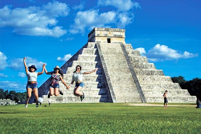 Exclusive Tour to Chichen Itza, 2 different Cenotes & Valladolid for 1 price!