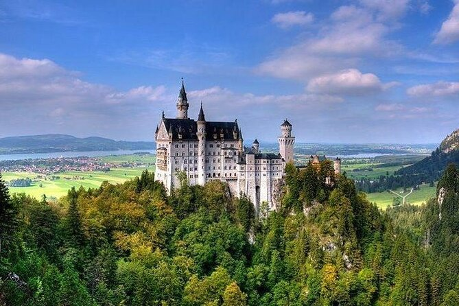 Skip-the-Line: Neuschwanstein Castle Tour Including Horse-Drawn Carriage Ride