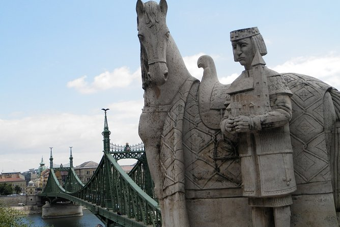 Budapest Romantic Tour: Gellert Hill with Liberty Statue