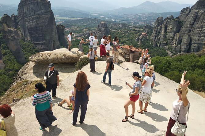 Full-Day Tour Meteora Monasteries and Thermopylae Hot Springs