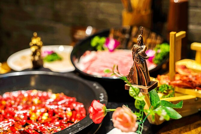 Hot Pot Dinning Experience with Amazing Shanghai Night Lights