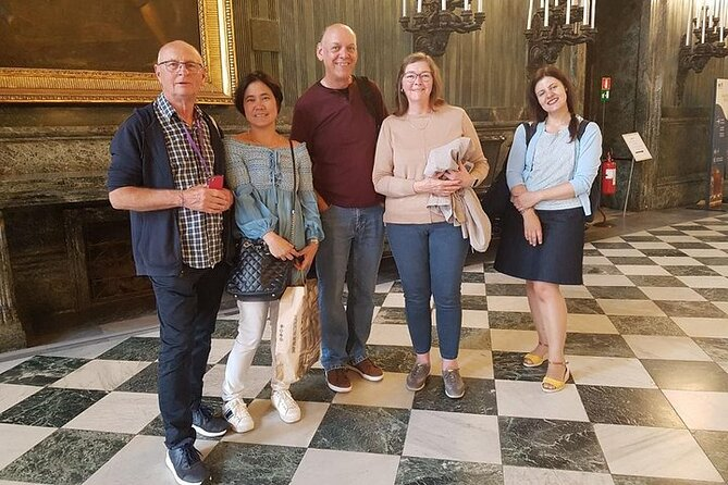 Skip the line: Turin Royal Palace, Armoury and Shroud Chapel Small Group Tour