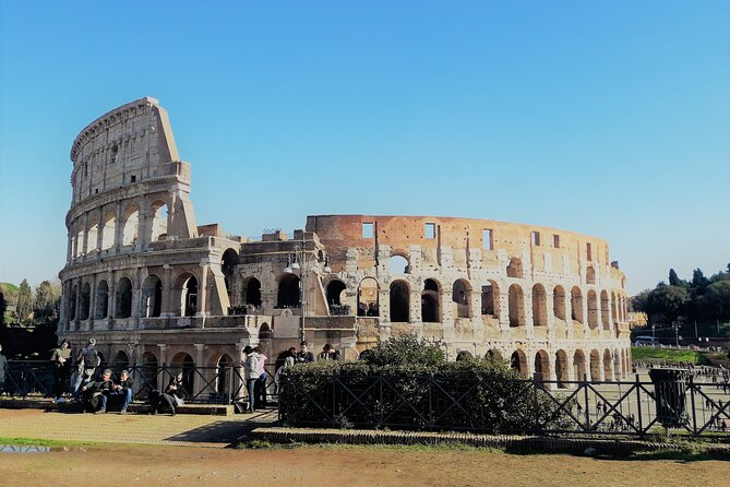 Rome top sites: Coliseum Tour, Trevi, Pantheon, Navona, Spagna, Transfers, Lunch