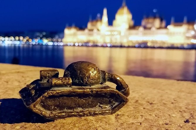 Discovery Walk in Budapest by the Danube Banks: The Mystery of the Dead Squirrel