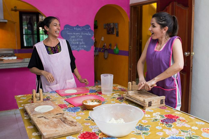 Mexican Cooking from Scratch and Mezcal Tasting in a Local Home