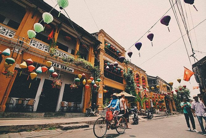 Explore Hoi An on Foot