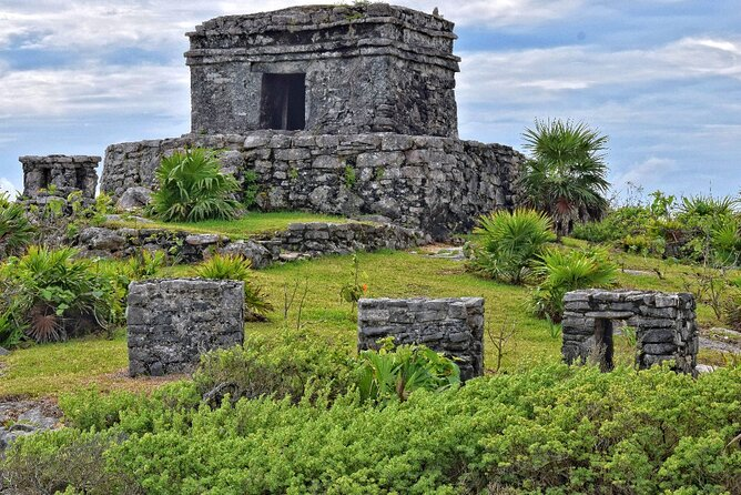 Tulum: Discover the ancient Mayan city and its legends on an audio tour
