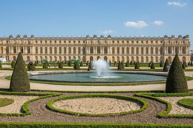 How to Get to Versailles from Paris