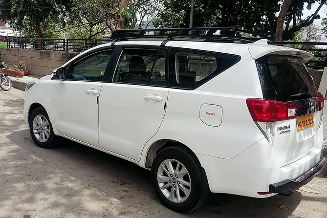 Private Transfer from Delhi to Jaipur city