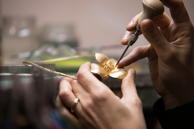 Jewerly workshop with a local artisan
