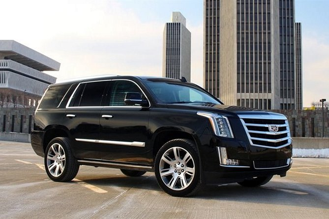 Departure Private Transfers: Calgary City to Calgary Airport YYC in Luxury SUV