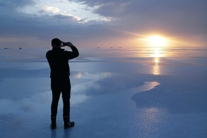 Uyuni salt flats: Full day with sunset and starlight tour.