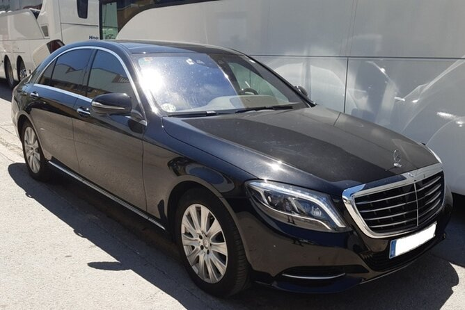 Private Transfer from Pamplona Airport to Biarritz city