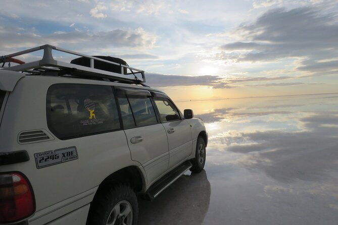 2-Day Uyuni Salt with Overnight in 4or 5-Star Hotel Including Flight from La Paz