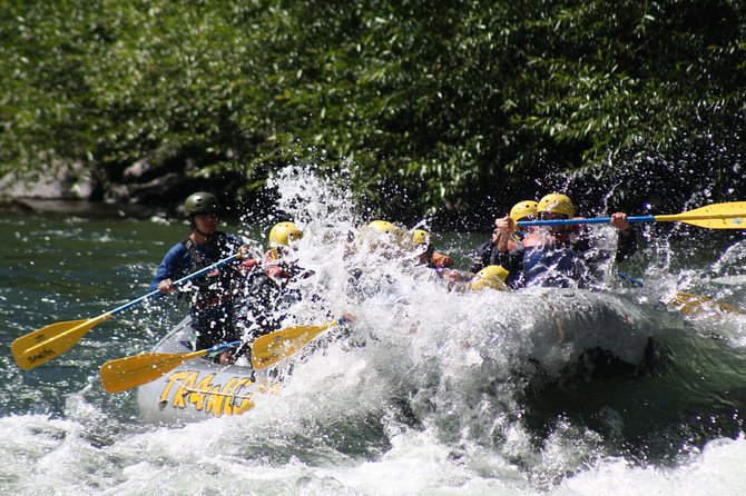 Private Tour Extreme Full Adventure in Napo: Rafting and Rapel 3 Days 2 Nights