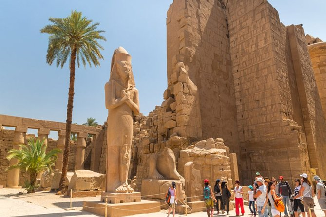 Cairo: Overnight all inclusive tour in Luxor By Plane & Hot air Balloon