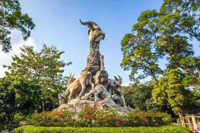 26-Day Private Tour from Chengdu to Guangzhou with the Driver