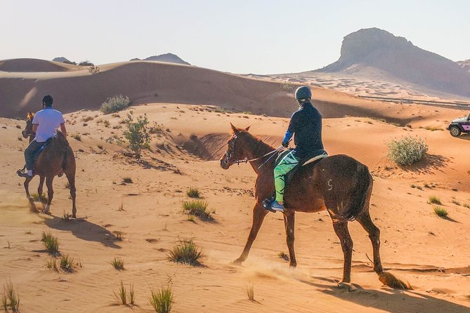 Private Tour: 4x4 Desert Drive with Mleiha Museum Visit and Horse Riding