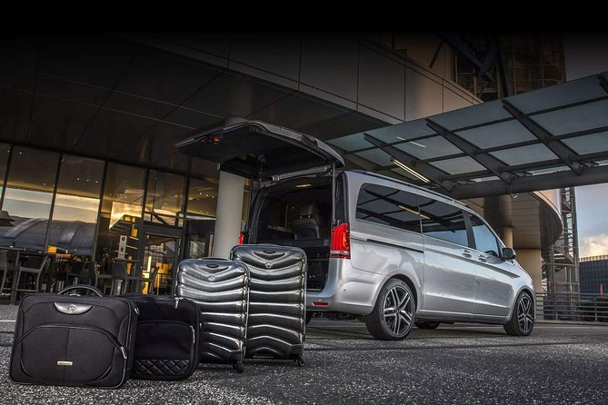Saint Petersburg airport: private transfer service