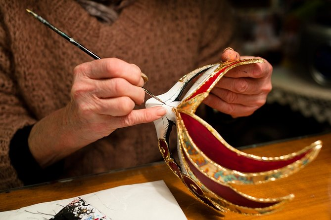 Venetian mask workshop with a local artisan