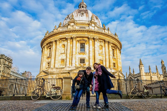 Oxford Private Day Trip from London – Colleges, History & British Lunch included