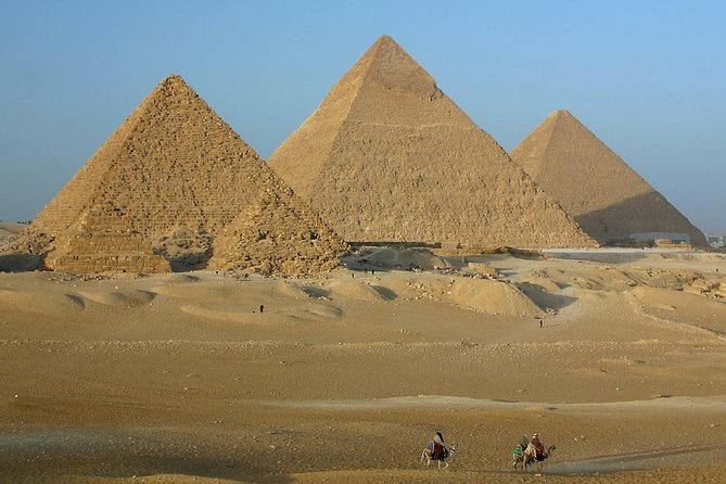 Private Tour Cairo From HURGHADA (Sphinx & Pyramids and Egyptian Museum & Lunch)