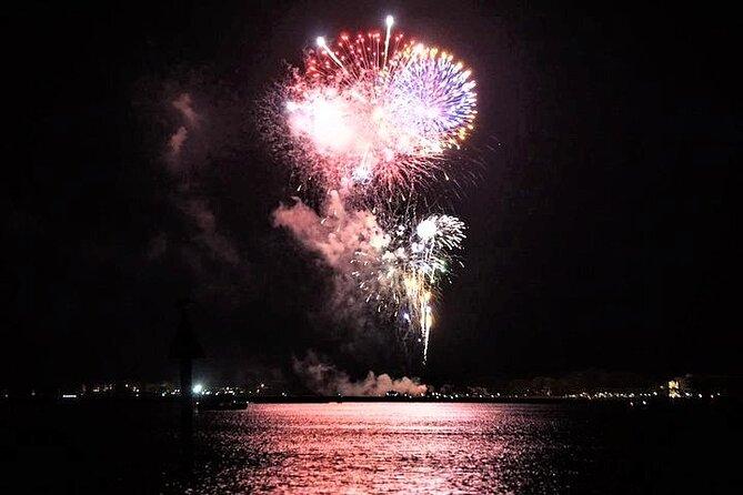 Crucero de observación de delfines de Hilton Head con exhibición de fuegos artificiales
