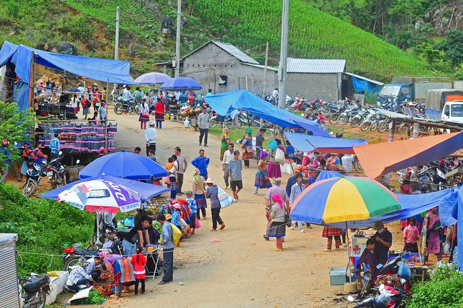 3 days Lao cai - Cao Son - Cao Son market - Sapa - Lao cai