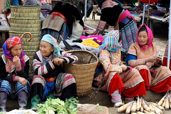 Muong Khuong Market full day tour from Sapa