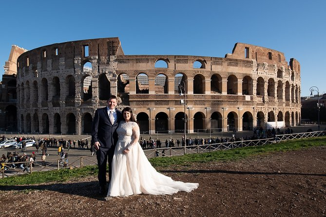 Honeymooners Rome Tour with Professional Photographer from Civitavecchia Port