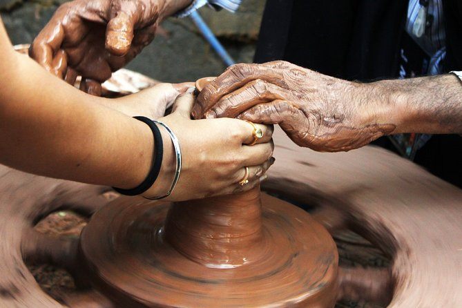 Pottery Village Cycling Tour from Pinnawala