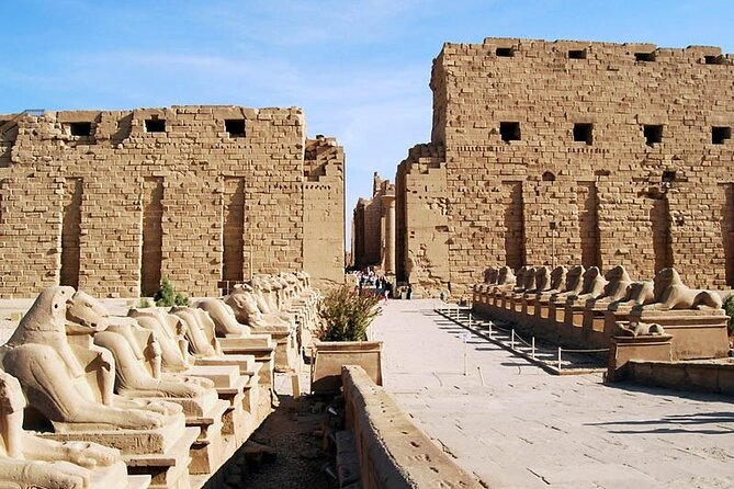 Private Layover Tour From Luxor Airport to Luxor East and West Banks With Lunch