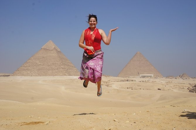 Full Day Tour to Giza pyramids, Egyptian Museum and Khan El-Khalili Bazaar